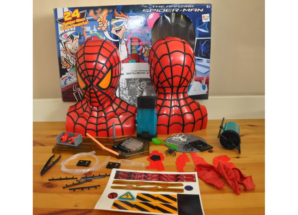 The Amazing Spiderman Laboratory Playset 24 Spider Man Experiments IMC TOYS